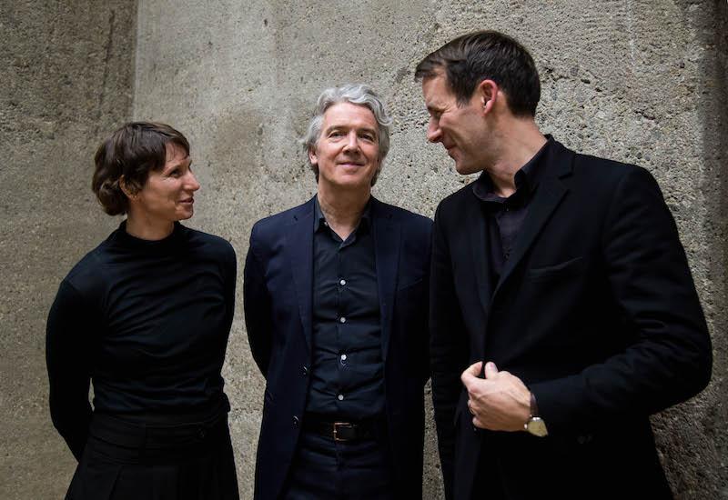 von links nach rechts: Sabine Schmidt, Xaveer De Geyter, Prof. Daniel Lohmann