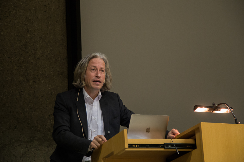 Prof. Axel Sowa