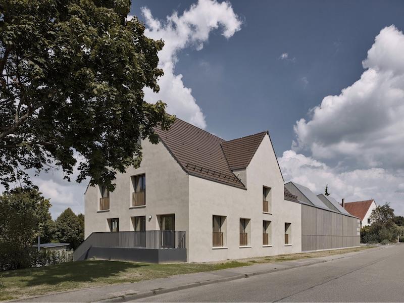Kinder- und Familienzentrum   umgebautes Bestandsgebäude + Anbau   © VON M