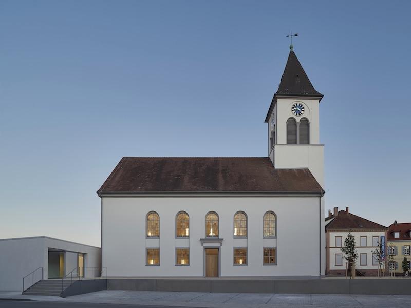Christusgemeinde Kehl   Außenansicht   © VON M